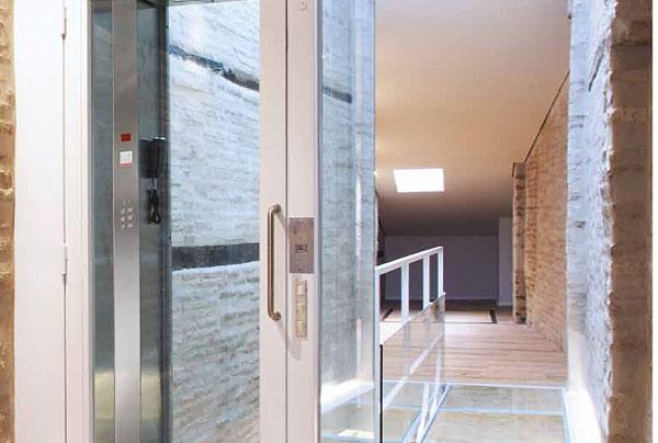 elevadores-hidraulicos-electricos